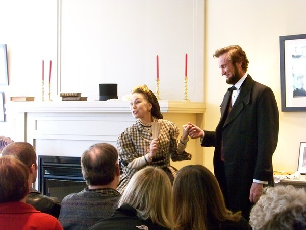Actors Michael Krebs and Debra Ann                 Miller present Abraham Lincoln and Mary Todd Lincoln at                 Geneva History Center